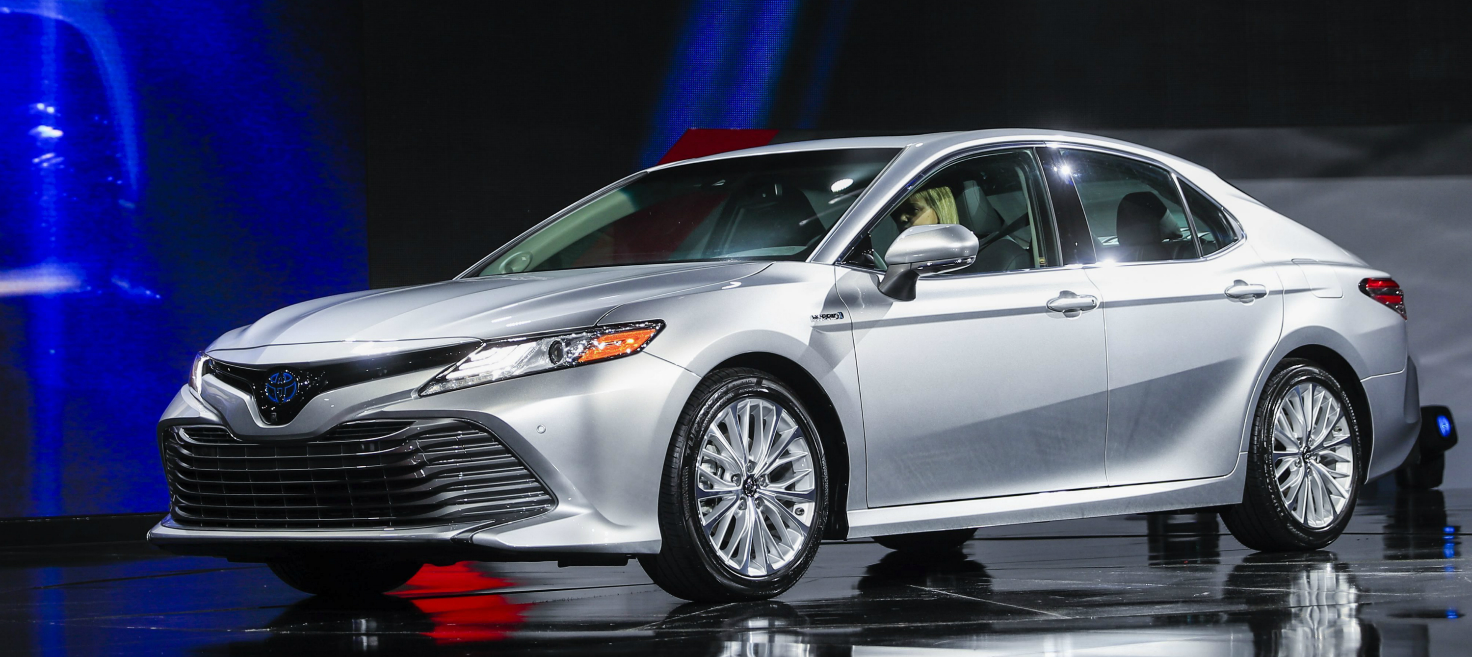 toyota-camry-xle-1