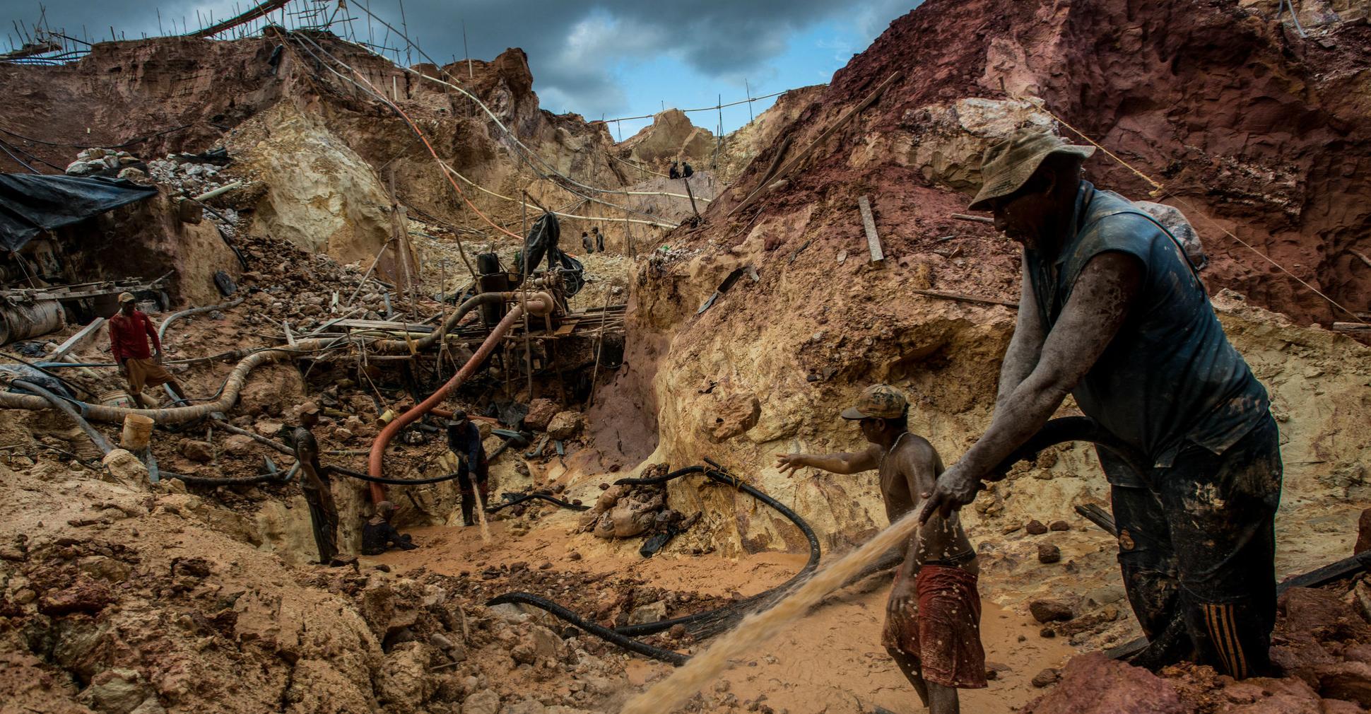 Resultado de imagen para extracción de oro de venezuela
