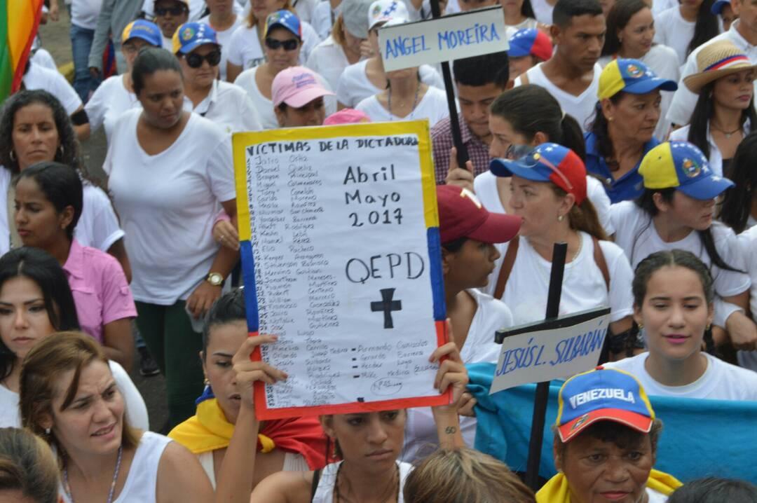 MARCHA DE LAS MUJERES EN EL ZULIA 06.05 (10)