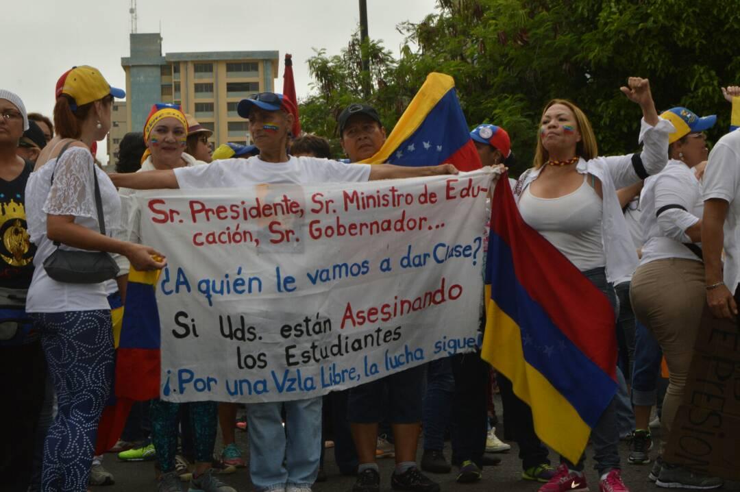 MARCHA DE LAS MUJERES EN EL ZULIA 06.05 (8)