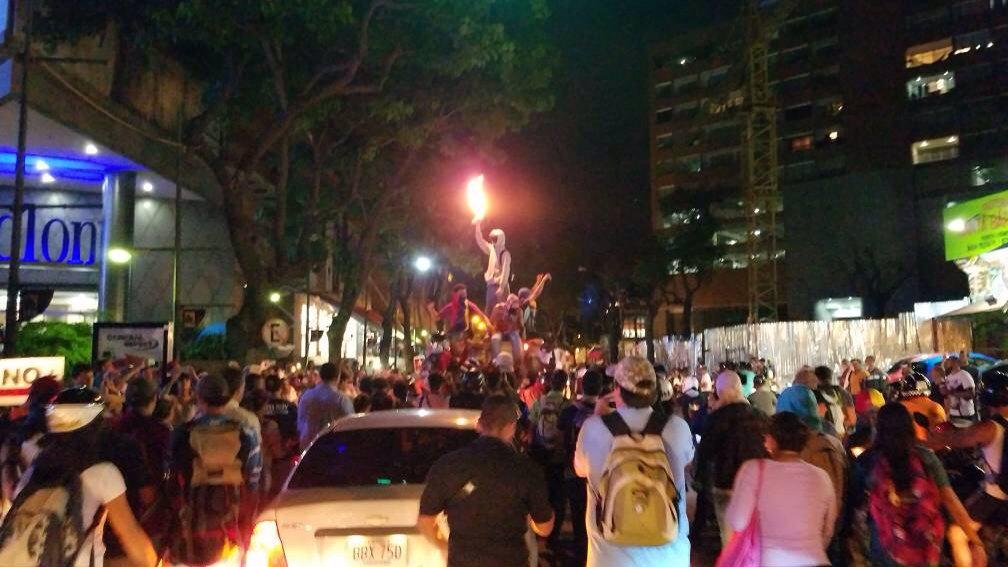 Marcha de la oposición en Las Mercedes - a la altura de El Tolón