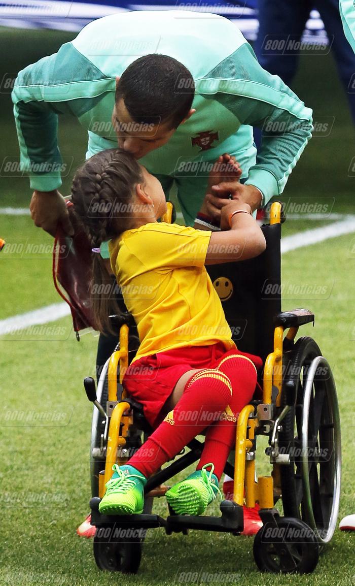cristiano-ronaldo-y-Polina-Haeredinova-discapacitada