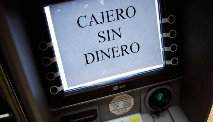 Pensionados se quejan por falta de efectivo en cajeros y for Cajeros santander para ingresar dinero