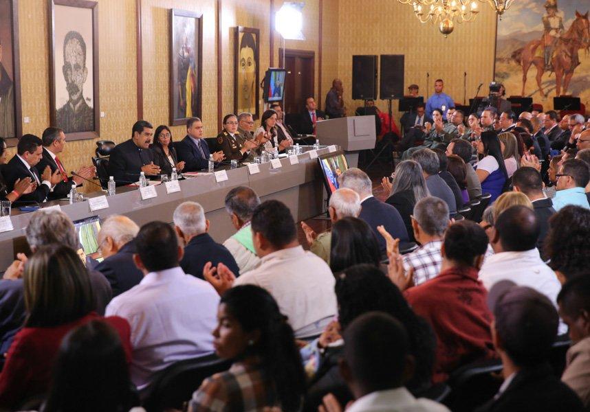 Maduro con la Comisión de la Verdad