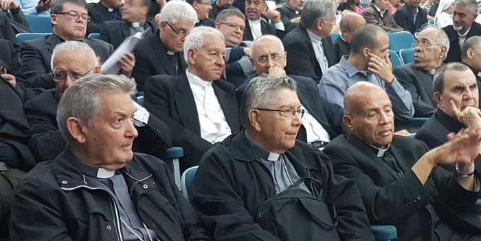 ubaldo santana obispos cev reunion