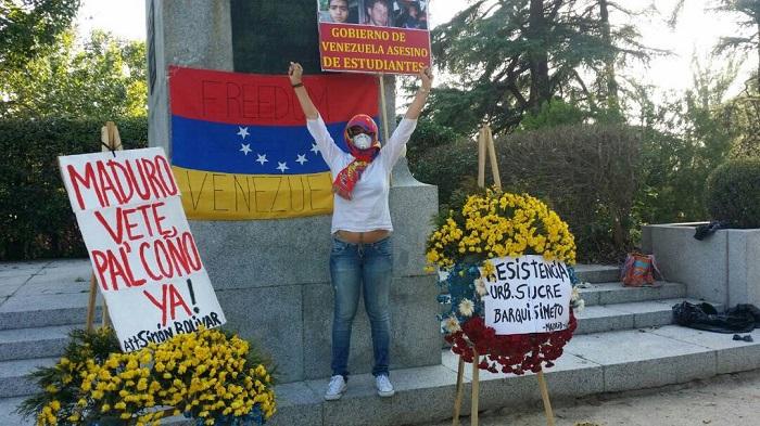 plaza bolivar estatua madrid 3