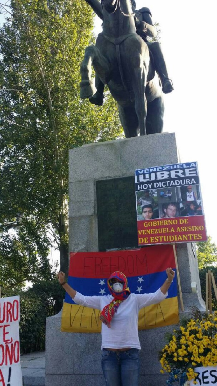 plaza bolivar estatua madrid 4
