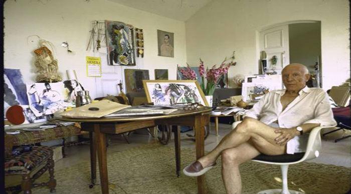 Picasso en su casa de Francia