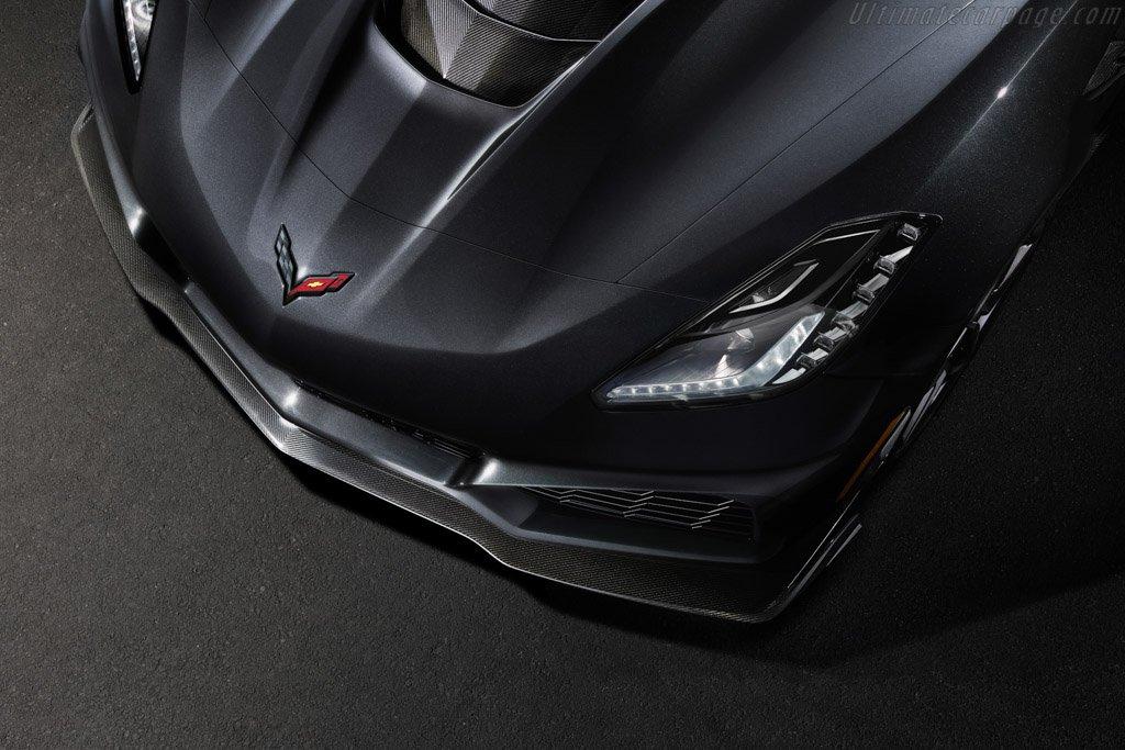 Chevrolet-Corvette-ZR1-131593