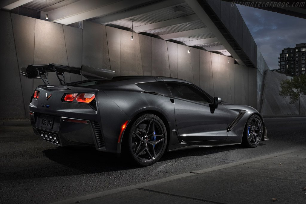 Chevrolet-Corvette-ZR1-131595